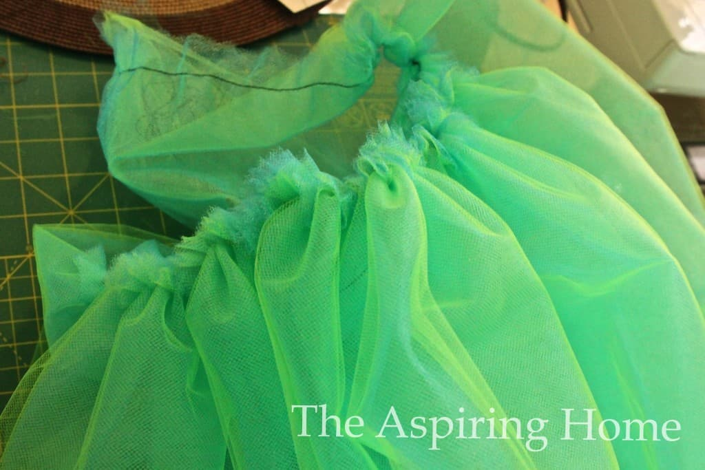 How to make a TuTu -www.theaspiringhome.com