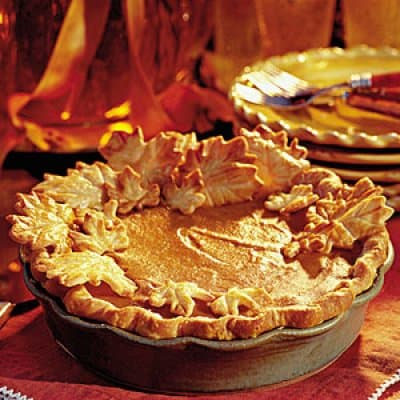 elegent-pumpkin-walnut-layered-pie-m