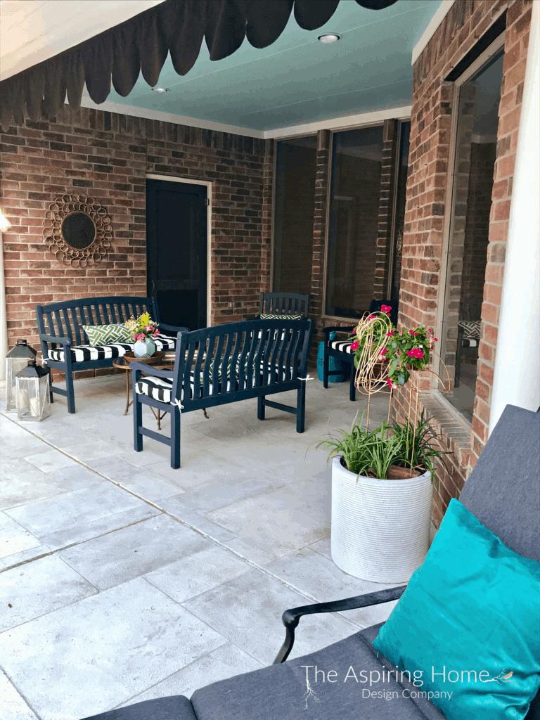 diy outdoor scalloped valance - the aspiring-home