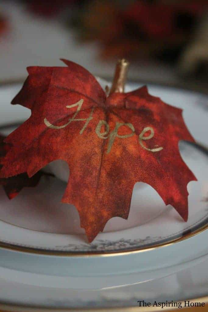 9 Easy Ways You Can Decorate For The Fall Season leaf place card
